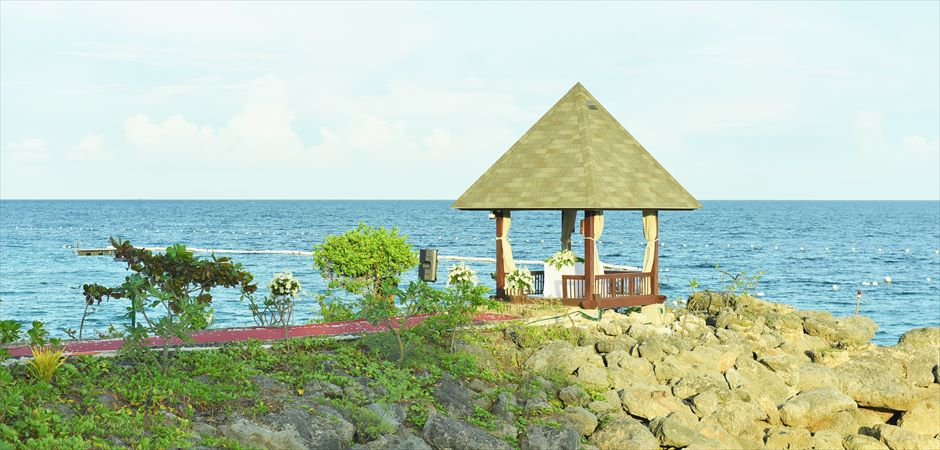 Shangri-La Mactan Resort Oceanfront Gazebo at Wharf